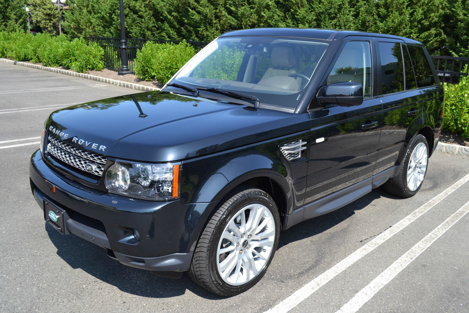 Land Rover Rang Rover Sport 2012 Pre-Owned