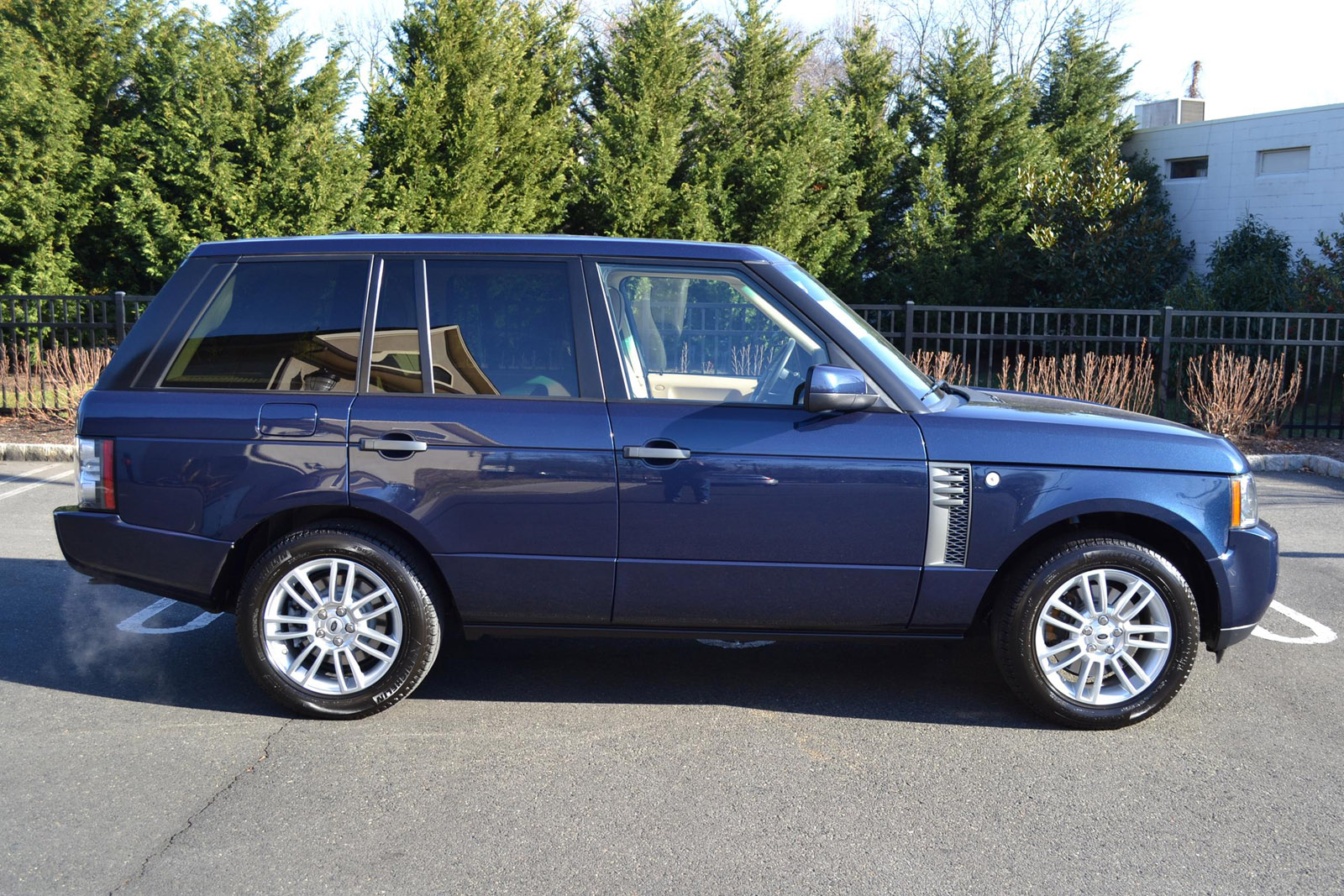 2011 range rover hse pre owned. Black Bedroom Furniture Sets. Home Design Ideas